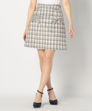 芸能人がENGEIグランドスラムで着用した衣装スカート