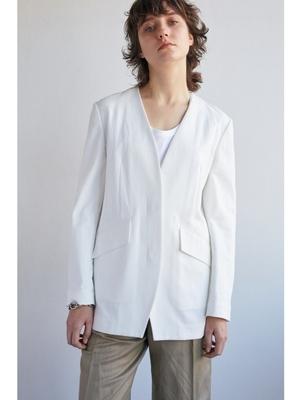 芸能人が雑誌 BAILAで着用した衣装アウター