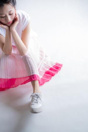 芸能人がAEONモールCMで着用した衣装スカート