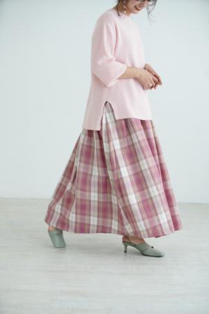 芸能人がABEMA Morningで着用した衣装スカート