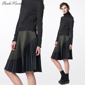 芸能人がエレクトール情報誌 7月号で着用した衣装スカート
