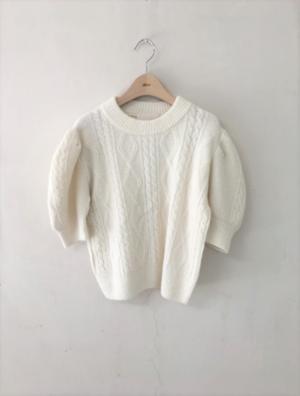 芸能人が『ヱヴァンゲリヲン新劇場版』シリーズ同時視聴イベントで着用した衣装ニット/セーター