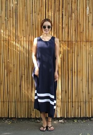 芸能人がInstagramで着用した衣装ブラックワンピース