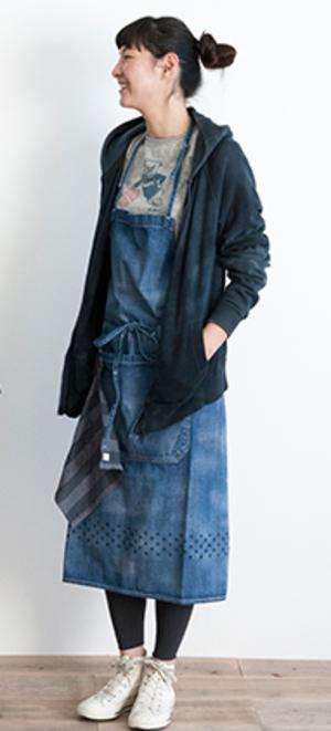 芸能人が書けないッ!?~脚本家 吉丸圭佑の筋書きのない生活~で着用した衣装エプロン