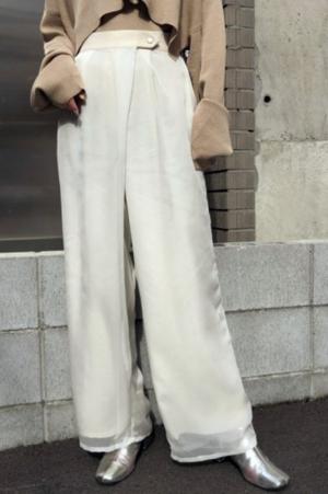 芸能人が私を渋谷に連れてってで着用した衣装パンツ