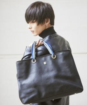 芸能人がももいろあんずいろさくらいろで着用した衣装バッグ