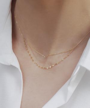 芸能人が青天を衝けで着用した衣装ネックレス