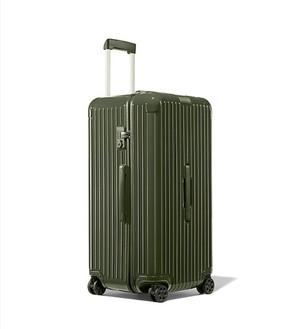 芸能人が恋はDeepにで着用した衣装スーツケース