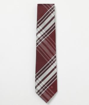 芸能人が桜の塔で着用した衣装ネクタイ