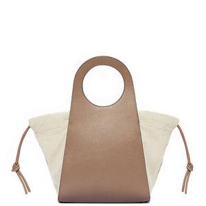芸能人が恋はDeepにで着用した衣装バッグ