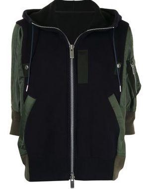 芸能人が沸騰ワードで着用した衣装ジャケット