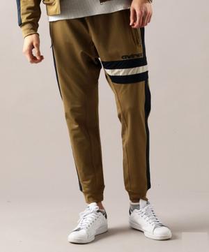 芸能人がリコカツで着用した衣装パンツ