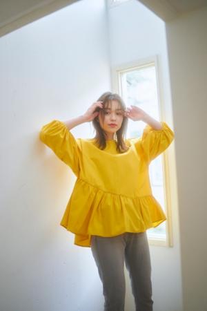芸能人がキニナル金曜日で着用した衣装シャツ / ブラウス