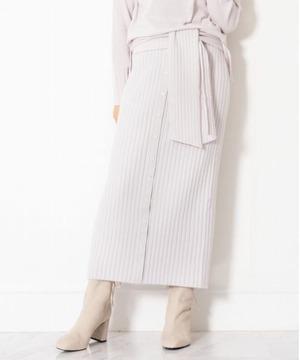 芸能人が恋はDeepにで着用した衣装スカート