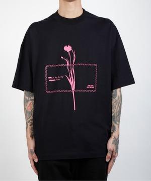 芸能人がバズリズムで着用した衣装Tシャツ・カットソー
