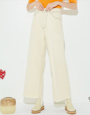 芸能人が恋はDeepにで着用した衣装デニム