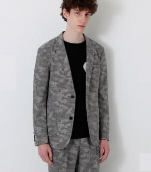芸能人がイチケイのカラスで着用した衣装ジャケット