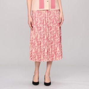 芸能人が大豆田とわ子と三人の元夫で着用した衣装スカート