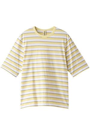 芸能人が着飾る恋には理由があってで着用した衣装Tシャツ