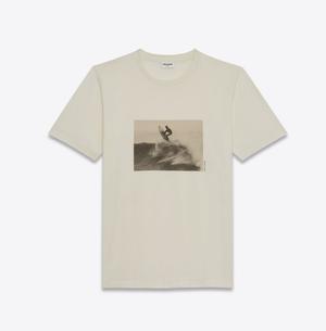 芸能人がリコカツで着用した衣装Tシャツ