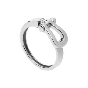 芸能人がリコカツで着用した衣装指輪