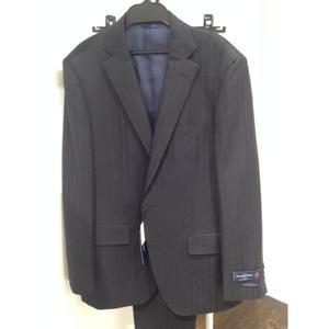芸能人が東京PRウーマンで着用した衣装スーツ