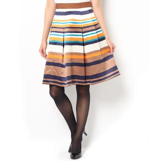 芸能人がCDTVで着用した衣装tops/スカート