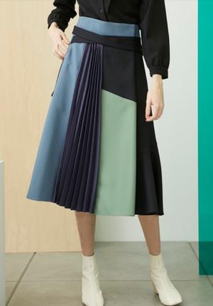 芸能人がナイト・ドクターで着用した衣装スカート