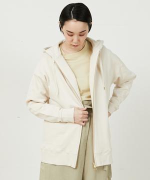 芸能人がナイト・ドクターで着用した衣装アウター