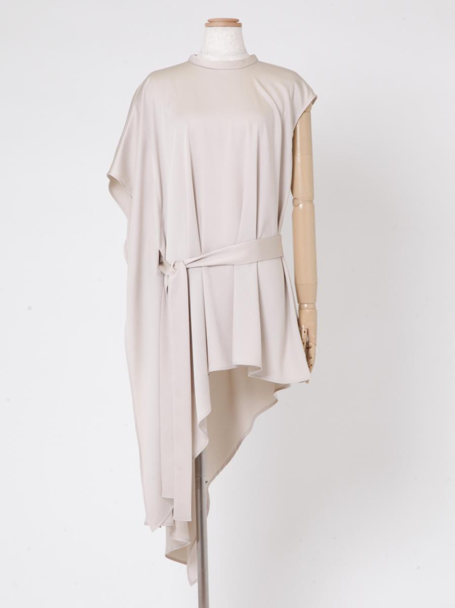 芸能人がTikTok TOHO Film Festival 2021で着用した衣装シャツ / ブラウス