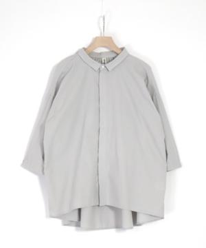芸能人が吉川トリコ『余命一年、男をかう』PVで着用した衣装シャツ / ブラウス
