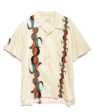 芸能人がプロミス・シンデレラ で着用した衣装シャツ