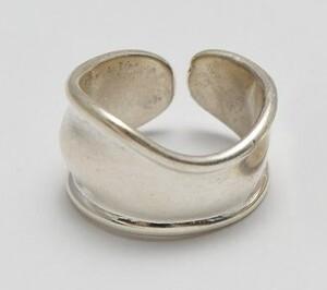 芸能人がボクの殺意が恋をしたで着用した衣装指輪