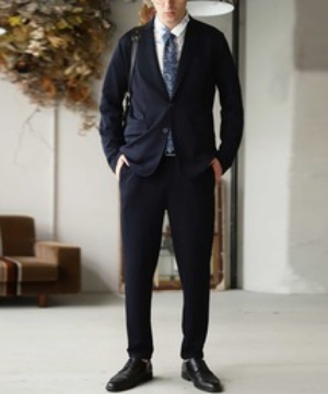 芸能人が芸能人ハローワークで着用した衣装スーツ(2ピース)
