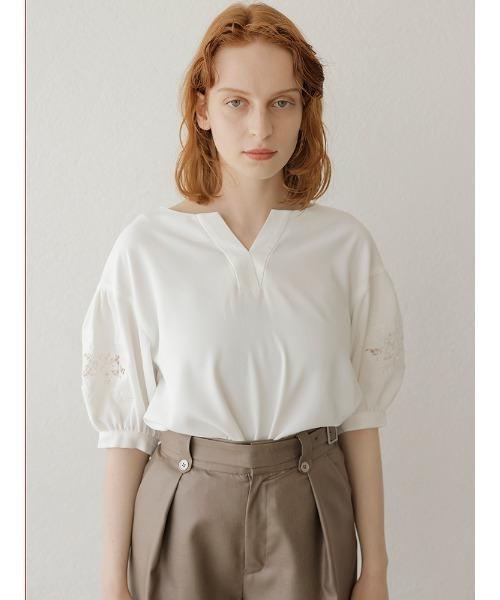 芸能人がシューイチで着用した衣装ブラウス、スカート