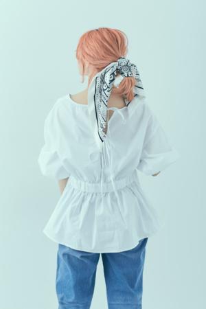 芸能人がABEMA Primeで着用した衣装シャツ/ブラウス