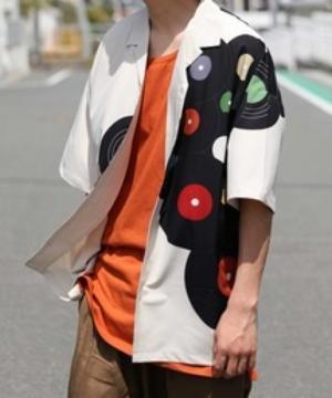 芸能人がピーチケパーチケで着用した衣装シャツ/ブラウス
