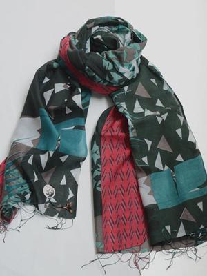 芸能人が2016全理連ニューヘア「XY code-e」で着用した衣装ストール