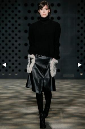 芸能人が日本テレビ しゃべくり007で着用した衣装ブラウス スカート