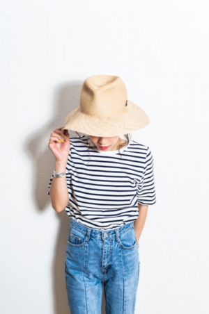 芸能人が桜田ひより 2022カレンダーブックで着用した衣装Tシャツ/カットソー