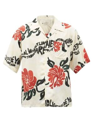芸能人がZOZOTOWN CMで着用した衣装シャツ