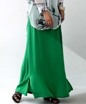 芸能人が朝だ!生です旅サラダで着用した衣装スカート