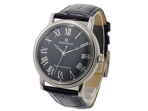 芸能人が准教授・高槻彰良の推察で着用した衣装腕時計