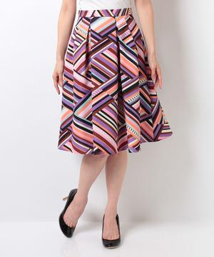 芸能人が5→9 ~私に恋したお坊さん~で着用した衣装スカート