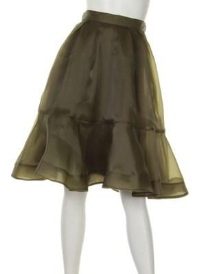 芸能人がTVstationで着用した衣装スカート