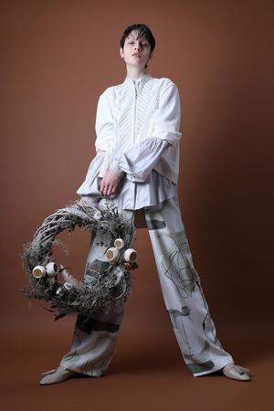 芸能人がオールスター感謝祭で着用した衣装パンツ