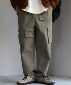 芸能人がサマータイムマシン・ハズ・ゴーンで着用した衣装パンツ