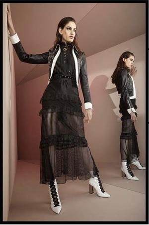 芸能人がジャパンプレミア インクレディブル・ファミリーで着用した衣装ワンピース
