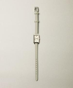 芸能人がSUPER RICHで着用した衣装時計