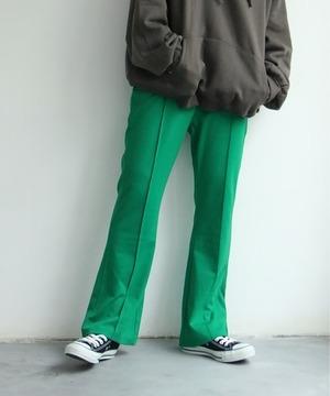 芸能人がSUPER RICHで着用した衣装パンツ